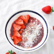 Açaí bowl, strawberries